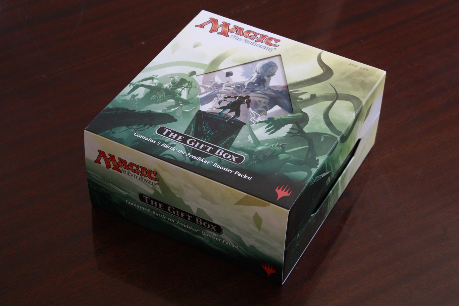Battle for Zendikar Holiday Gift Box 001