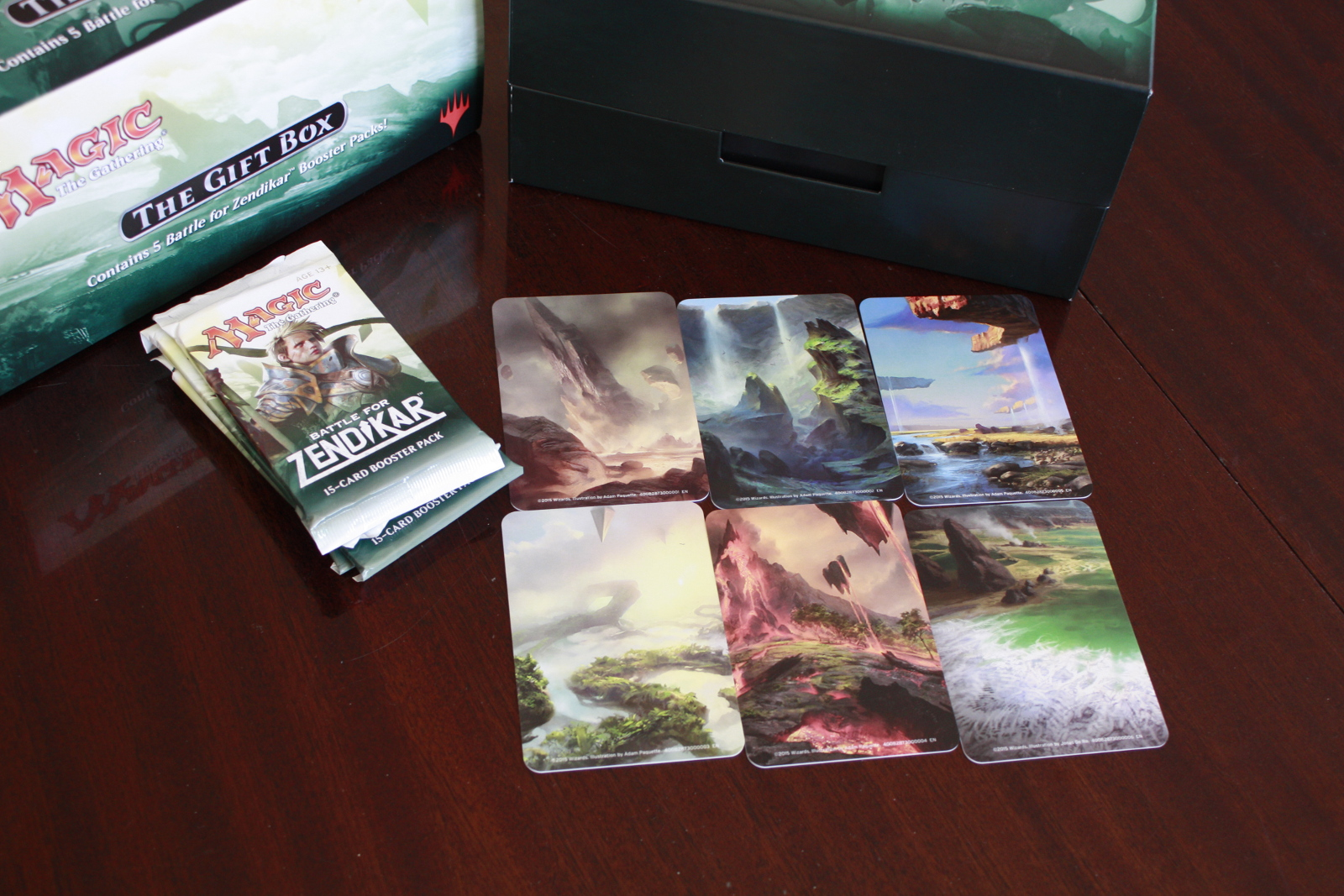 Battle for Zendikar Holiday Gift Box 004